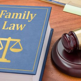 Why It's Infinitely Wiser To Hire Family Law Attorneys To Represent You In Your Case